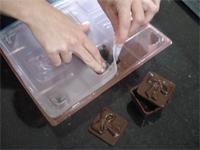 Como fazer Como fazer casquinha de chocolate com tampa - Passo 10
